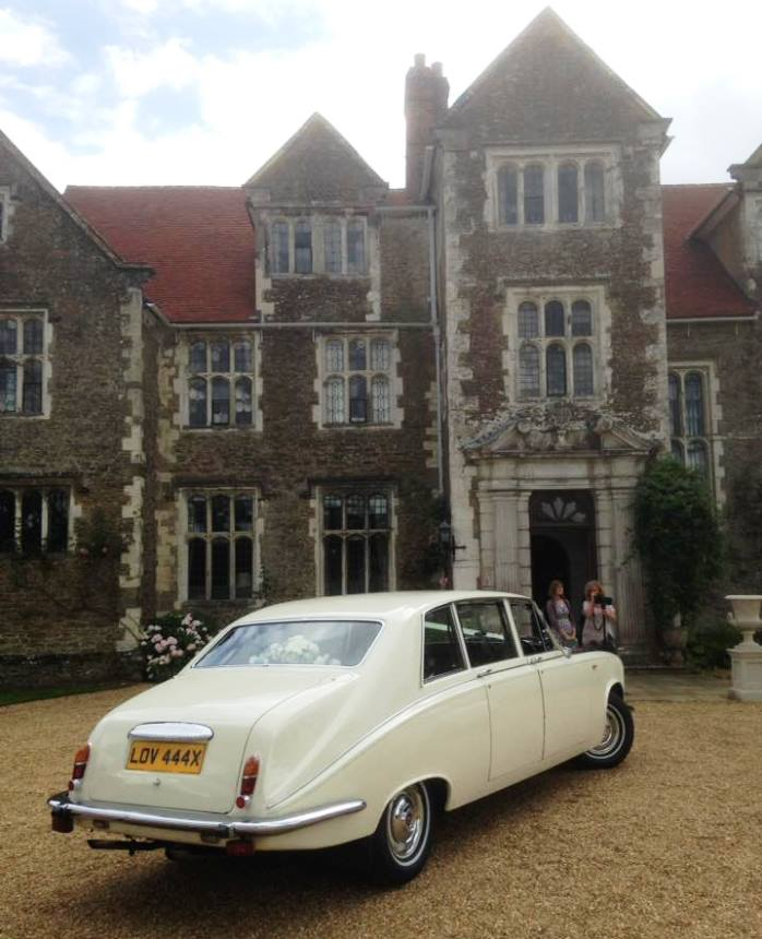 Altar Wedding Cars Manchester: Classic Daimler For Wedding Hire In